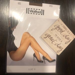Wolford Luxe 9 Tights Marzipan color